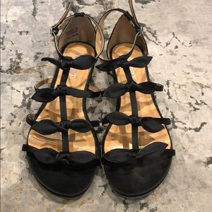 Report Bow gladiator flat sandals size 8